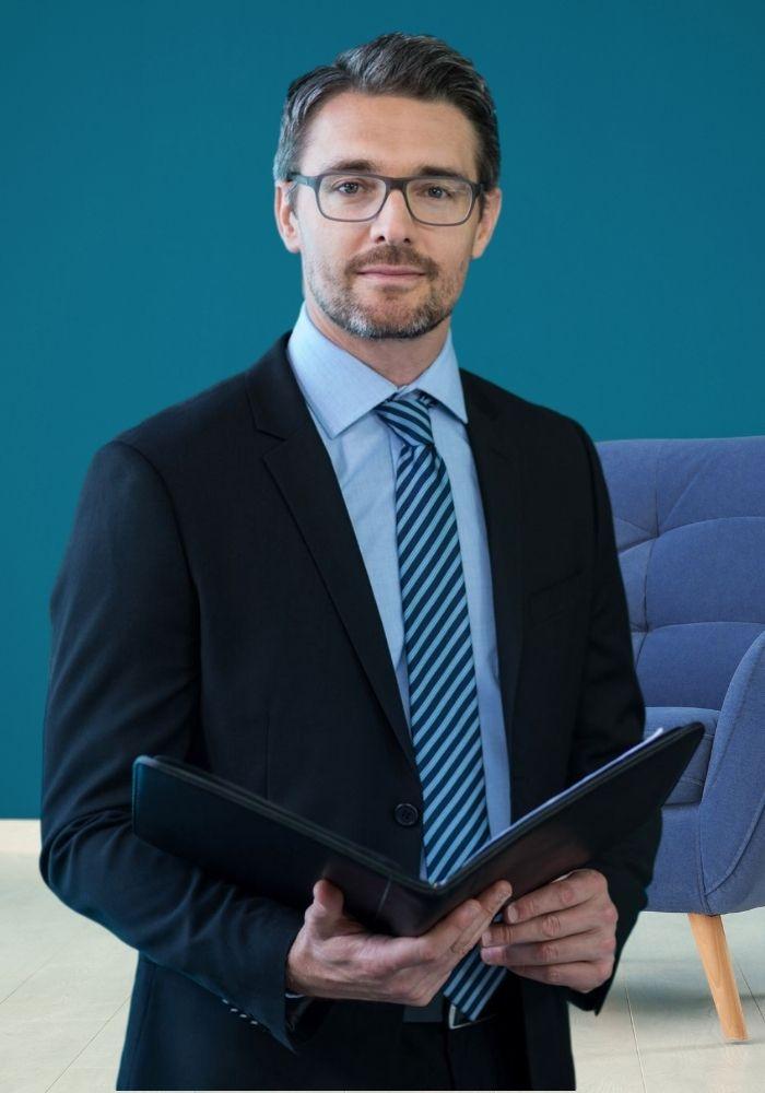 Businessman-holding-an-Executive-portfolio-organizer